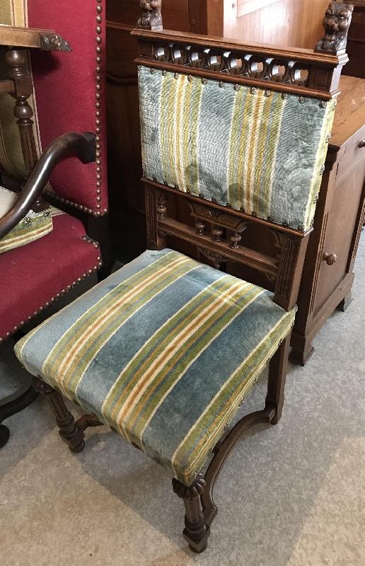 6 chaises Henri 2 ...beaux tissus avec 1 fauteuil assorti